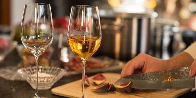 Similarities Between Chardonnay and Pinot Grigio Wines