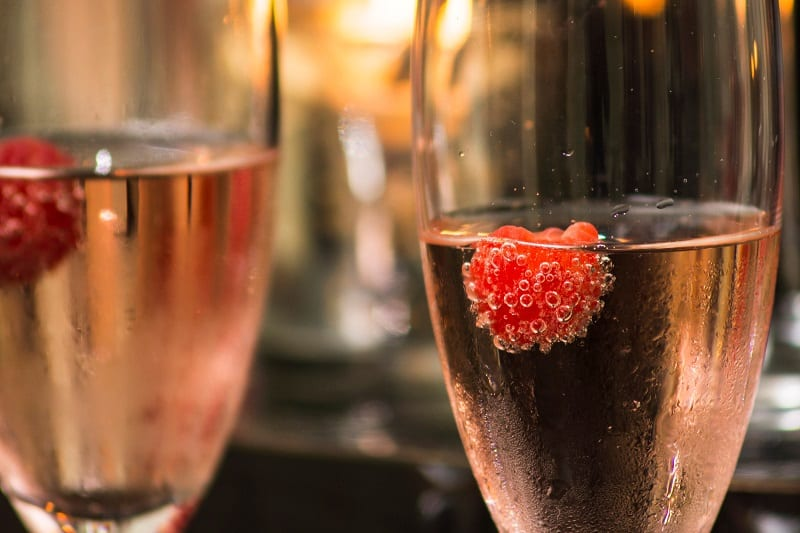 What to Consider While Deciding between Brut and Extra Dry Champagne