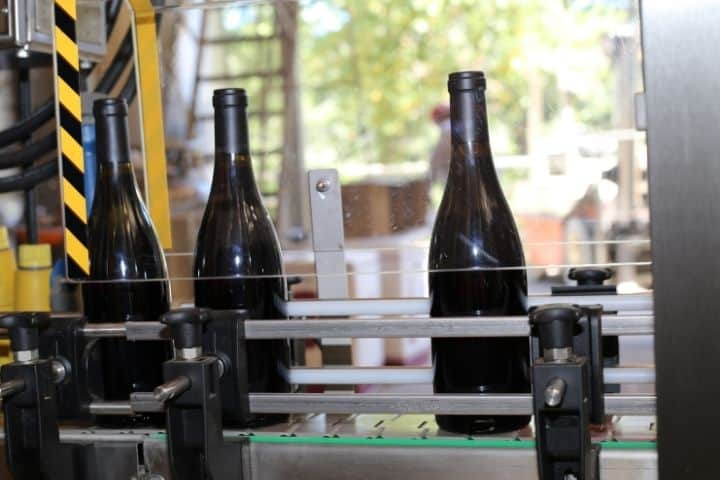 How to Use a wine bottle cutter