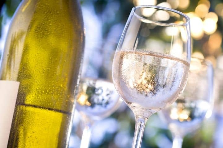 Should Shiraz wine be chilled